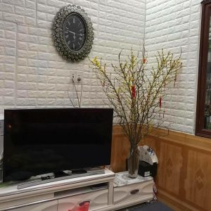 dong-ho-treo-tuong-hoang-gia-kz2024N