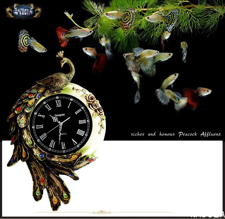 Đồng hồ treo tường Công Vàng Đá